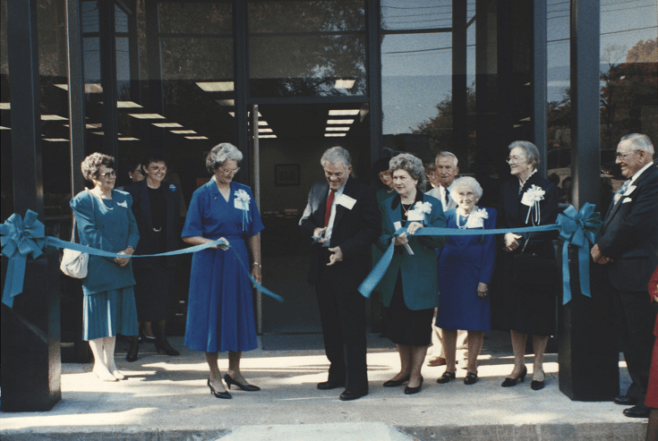 Library at Bank Ribbon cutting